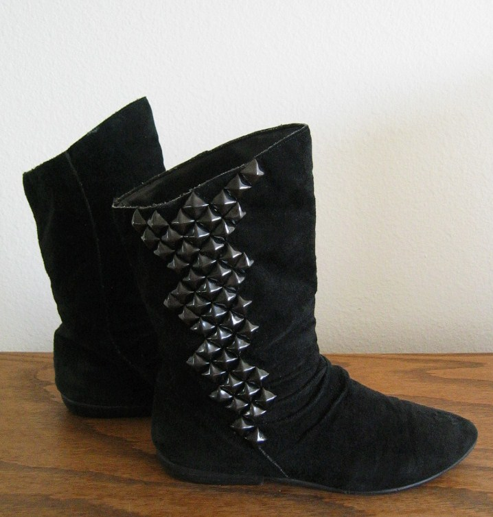 Black Suede Studded Lightning Bolt Pixie Boots - size 8.5