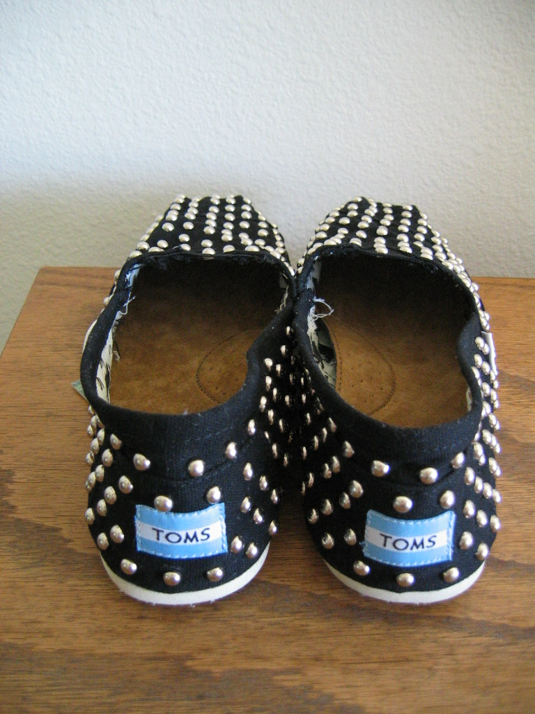 Shoes that look like toms but cheaper